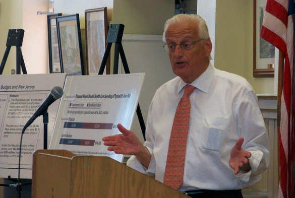 US Rep Bill Pascrell addressing his New Jersey constituents during a district meeting_Pascrell Office via Flickr