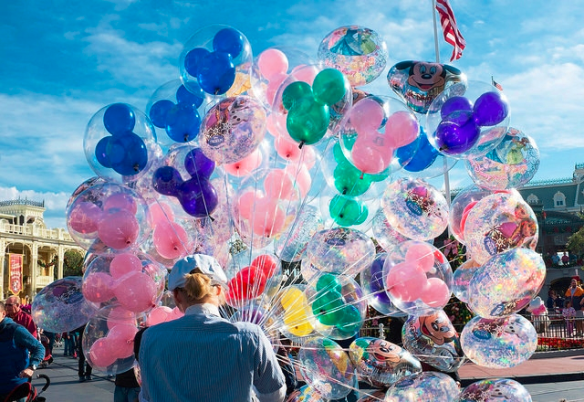 Walt Disney World balloon seller_Davidlohr Bueso Flickr CC 111914