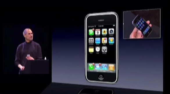 Steve Jobs introduces the first iPhone in January 2007_MacWorld video screenshot
