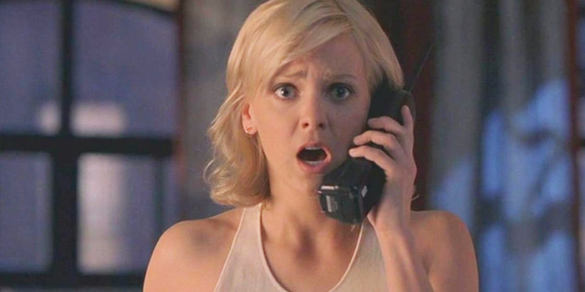 Anna-Faris as Cindy-Campbell_Scary-Movie frightening phone call