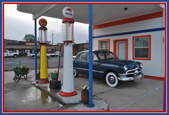 Petes Route 66 Gas Station Museum_Loco Steve Flickr