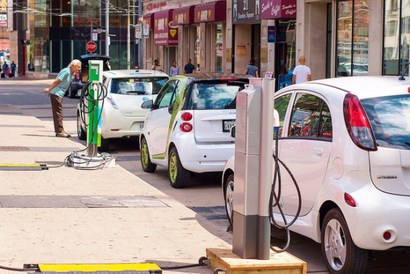 Electric-cars-charging-Ontario-Canada_EVObsession