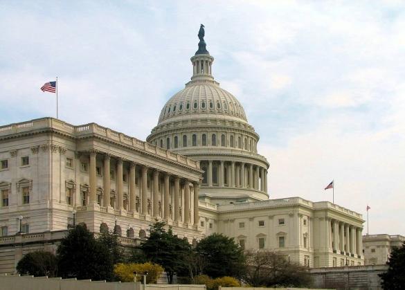 Capitol_Senate side_by Scrumshus via Citypeek-Wikipedia
