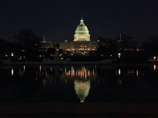 The-capitol-building-at-night-TripAdvisor